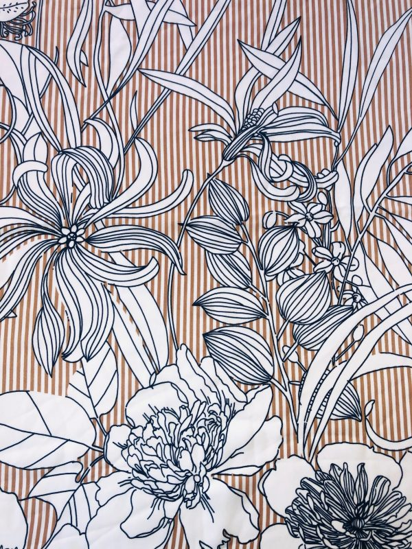 Tissu Beige Fleuri - Atelier à la Réunion (974) - Couturière et styliste de Mode