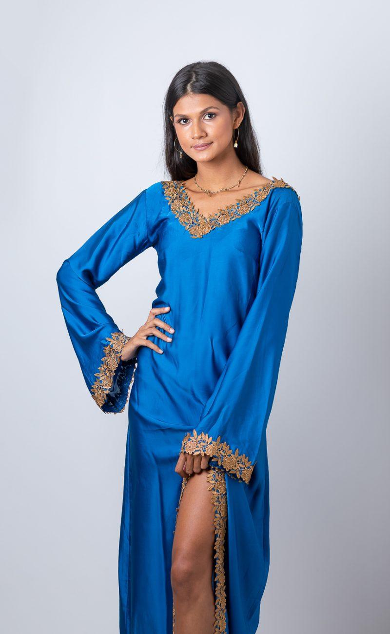 Robe fluide bleue dos nu faite sur-mesure Atelier à la Réunion (974) Made in France couturière styliste RikaRika